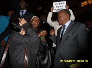 African Press International: Uhuru with Kenyans at the ICC after the case adjourned