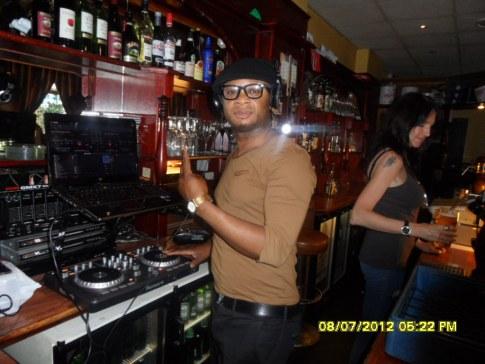 www.africanpress.me/ DJ. Nelshine at work preparing to entertain customers in Massawa Oslo Norway.